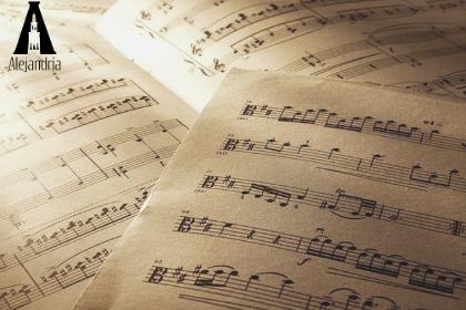 Partituras musicales para composición musical